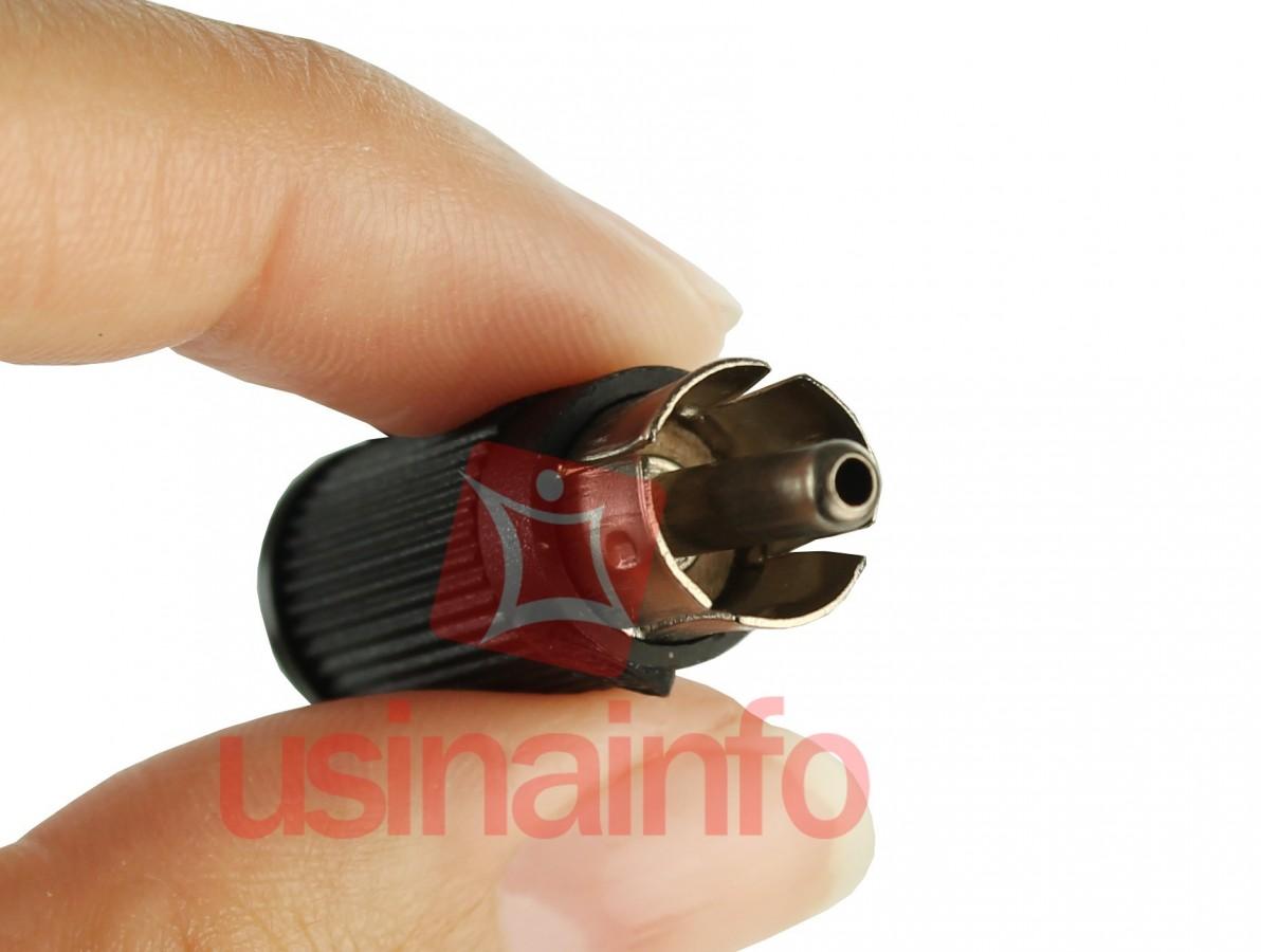 Conector RCA / Plug RCA Macho - Preto