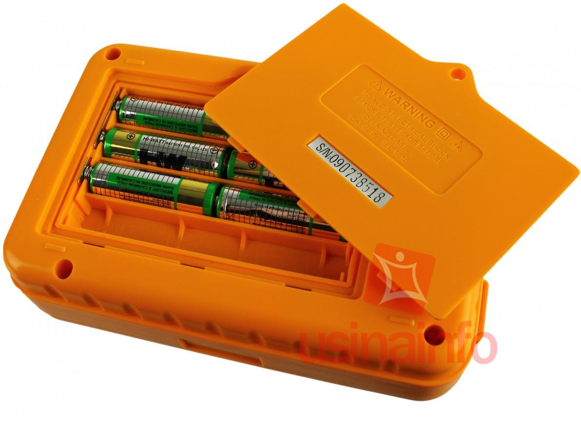 Megômetro / Testador de Isolamento Digital 250V/500V/1000V - Victor VC60B+