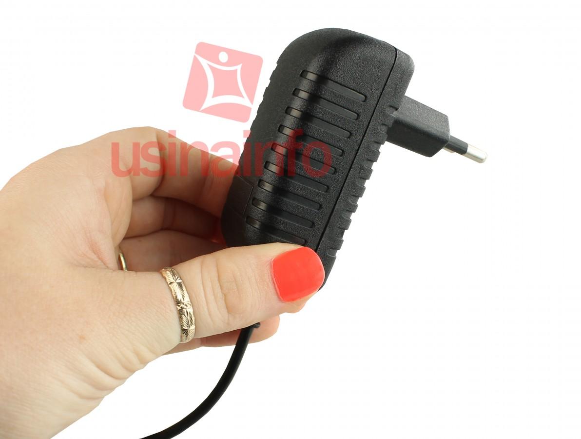 Fonte de Alimentação Chaveada 5V 1,5A Micro USB para Smartphones e Tablets