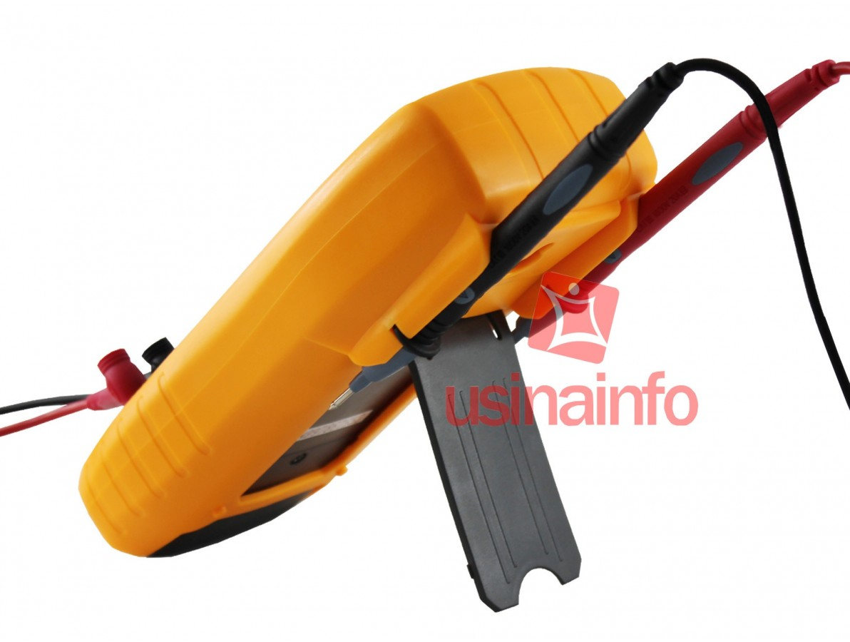 Multímetro Capacímetro Digital com Auto-Desligamento - Victor 88A