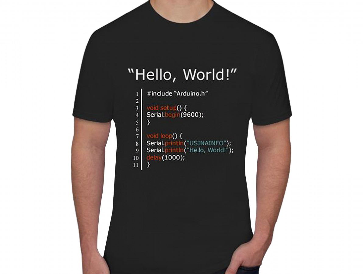 "Camiseta Maker ""Hello, World"" - Preta"