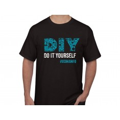 "Camiseta Maker ""DIY Do It Yourself"" - Preta GG"