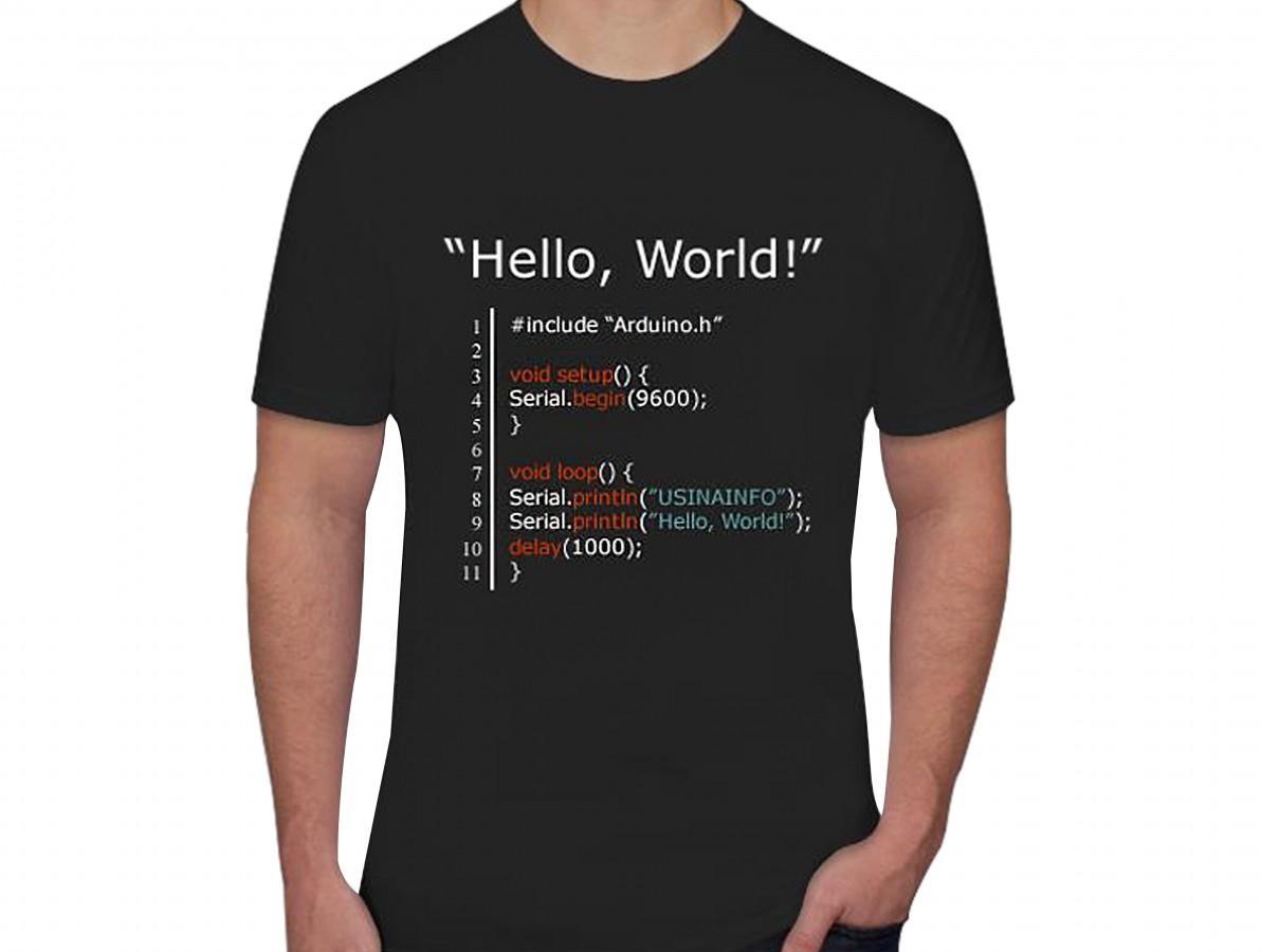 "Camiseta Maker ""Hello, World"" - Preta"