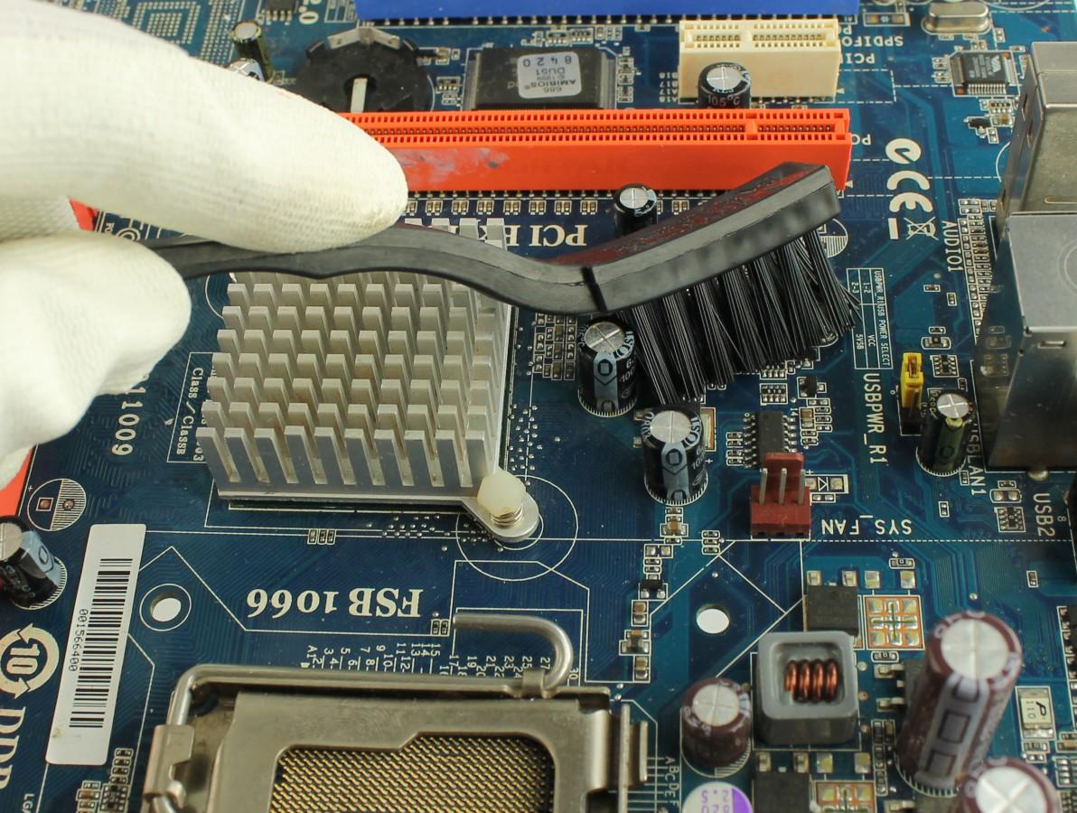 Escova antiestatica para limpeza de placas de circuito impresso -US3