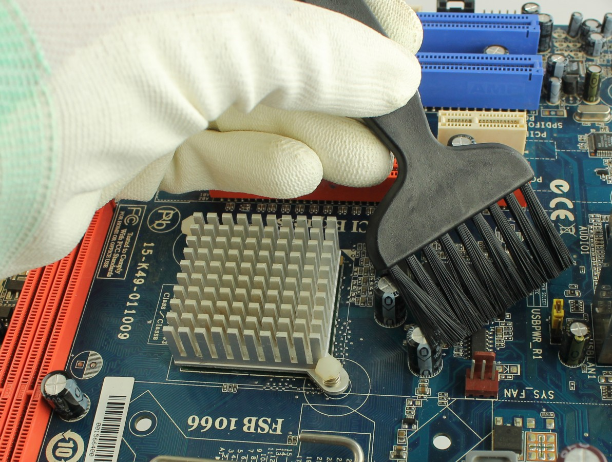 Pincel Antiestático para Limpeza de Placas de Circuito Impresso, Equipamentos e Componentes Diversos - US47