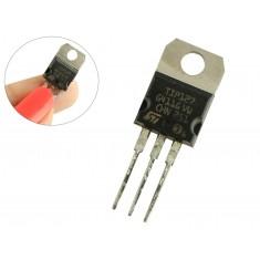 Transistor TIP127 PNP para Projetos