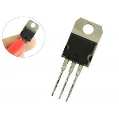 Regulador de Tensão 7924 -24V 1A